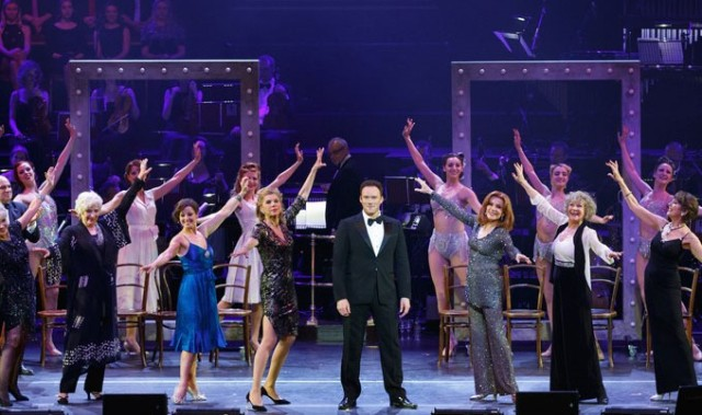 cast-of-follies-on-stage-from-the-stage-review